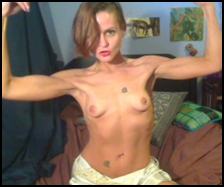 muscle fetish camgirl posing on webcam